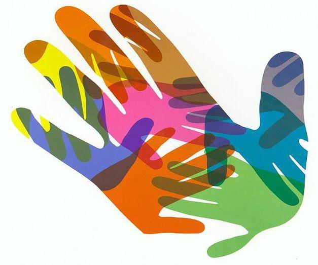imagen de una mano abierta llena de manos de colores